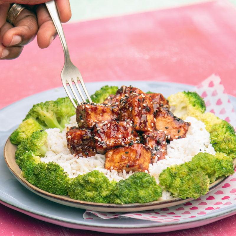 sticky sesam tofu general tso tofu vegan recept