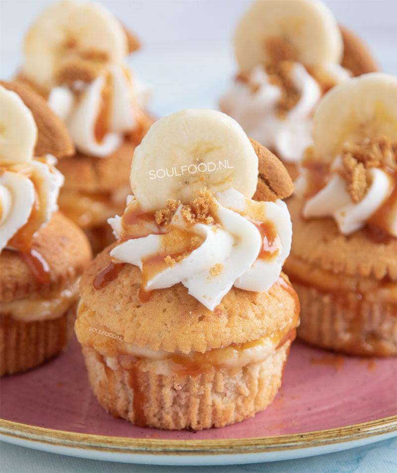 cupcakes met banaan custard en karamelsaus recept