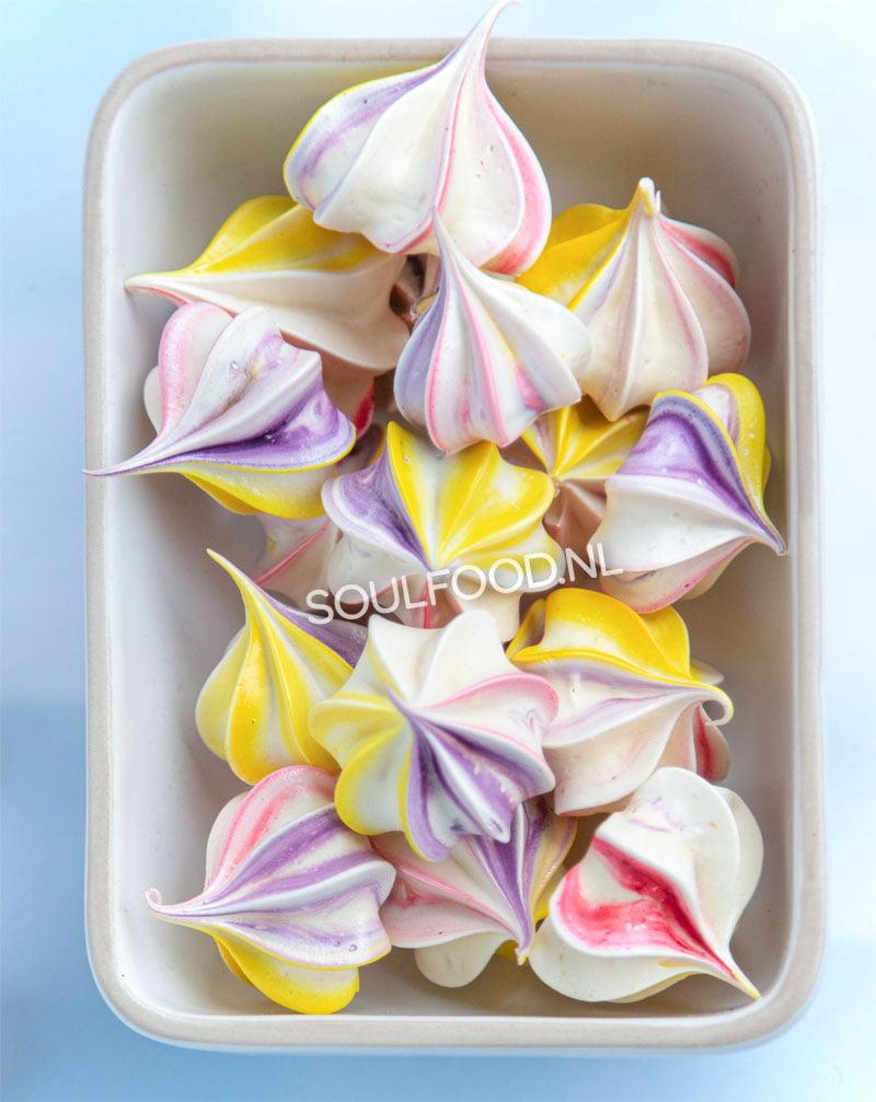 schuimpjes maken recept eiwitschuim meringue kisses