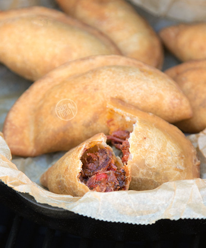 barbecue bbq smoked pork cheek varkenswangen antilliaanse pastechi recept