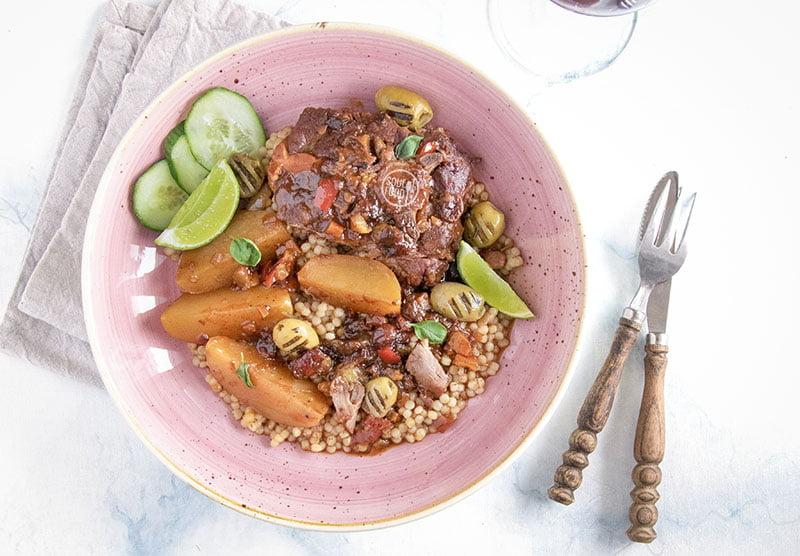 stoofschotel met lamsvlees en pruimen recept soulfood